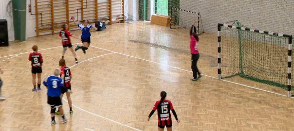 Jövőre Görbiczék ellen is játszanának a kisvárdai lányokKisvárda - A bajnoki cím megszerzéséért és az azzal járó feljutás kiharcolásáért lép pályára a kisvárdai női kézilabda csapat.