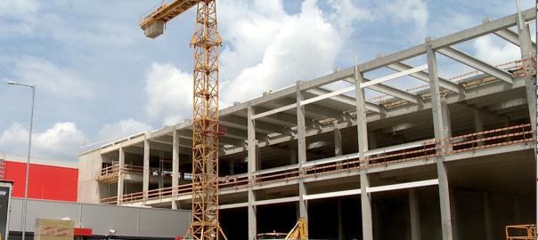 Már épül az új LEGO gyár NyíregyházánNyíregyháza - 30 milliárd forintból épül az új üzem, 1600 dolgozót is fel akarnak venni. Bővít a ContiTech is, 600 fővel.