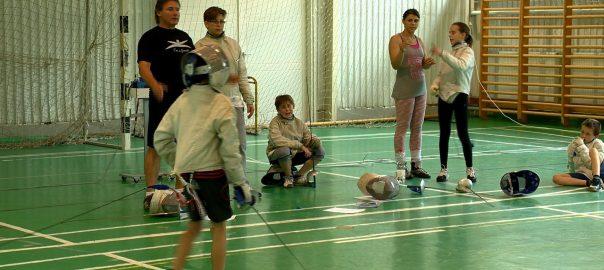 Edzőként is dolgozik Veres Amarilla paralimpikonNyíregyháza - Fiatalokat edz Veres Amarilla kerekesszékes vívó, de már nagyon készül Rióra is.