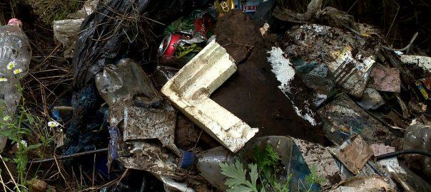 2017.04.27. illegalis hulladek