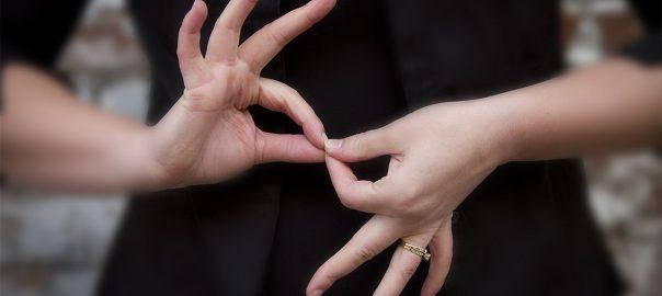 keves a jelnyelvi tolmacs