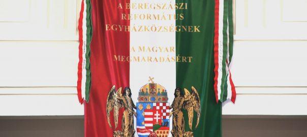 1422 hallgató számára kezdődött meg az új tanév a II. Rákóczi Ferenc Kárpátaljai Magyar Főiskolán hétfőn.