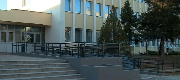 Befejeződött a Sipkay Barna kereskedelmi szakiskola energetikai felújítása.